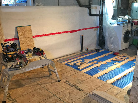 Levelling and installation of the subfloor